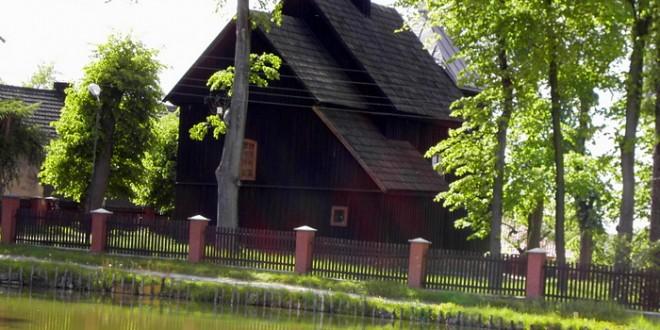Marcinki - Kościół drewniany pw. Trójcy Przenajświętszej wzniesiony w latach 1801-1803